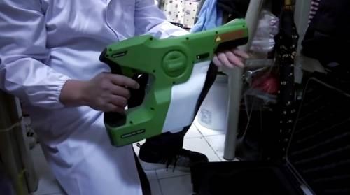 Hong Kong, ecco lo spray anti virus: ''Protegge le superfici per 3 mesi''