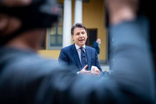 """Gli italiani bocciano Conte: """"Il 59% lo critica"""""""