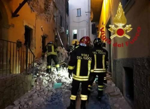 Esplosione nel centro storico di Marino: crolla una palazzina