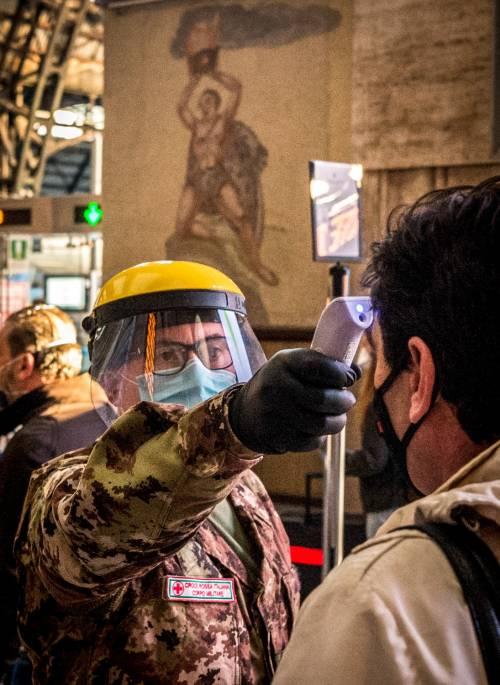 Visiere o mascherine? Ecco come proteggono dal Covid-19