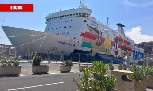 Nave quarantena per i migranti: ma non può fermare l'assalto alla Sicilia