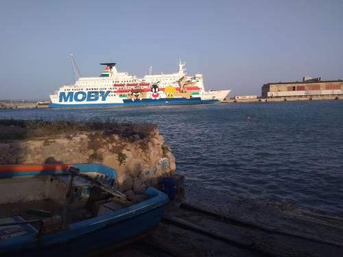 La nave Moby Zaza a Porto Empedocle 3