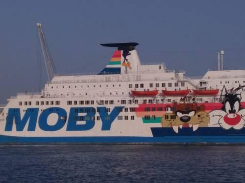 La nave Moby Zaza a Porto Empedocle 6