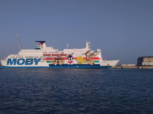 La nave Moby Zaza a Porto Empedocle 8