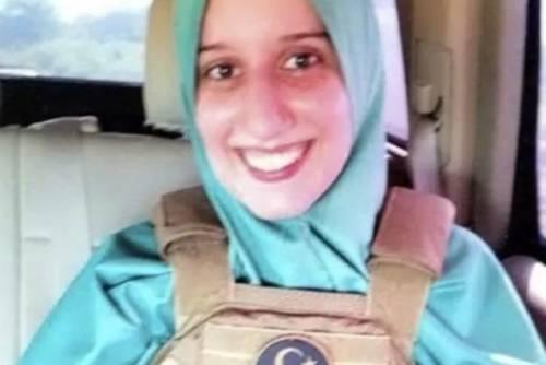 Quella Mezzaluna sul giubbotto e il giallo della divisa islamista