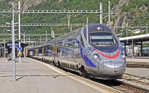 Distanziamento sui trasporti. Le Regioni contro il governo