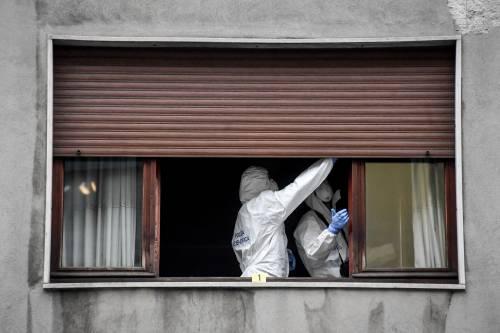 Milano, cocci di vetro contro la finestra della casa di Silvia Romano 10