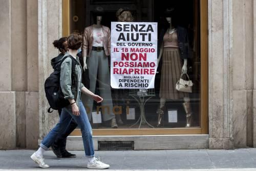 La protesta dei negozianti del centro di Roma. (La Presse)
