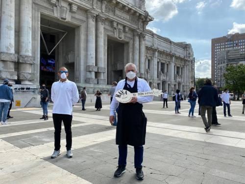 """Milano scende in piazza. Commercianti e tassisti: """"Ora lasciateci lavorare"""" 6"""
