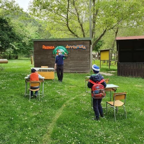 Biccari, le immagini della scuola nel bosco
