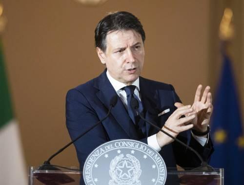 Conte tra Renzi e la crisi economica: ora la poltrona traballa