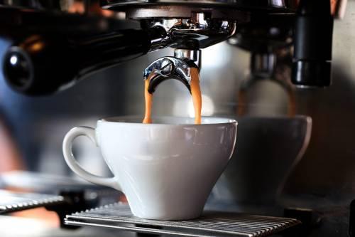 """Commercialista positivo al Covid: """"Contagio da tazzina di caffè"""""""