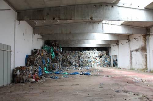Vibo Valentia, rifiuti tossici: sequestrata area da 100mila metri quadri