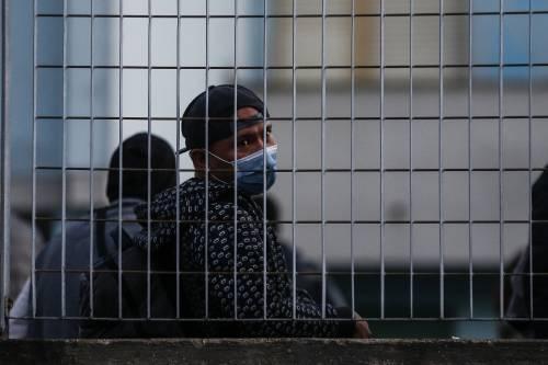 """""""Ora più posti per immigrati"""". Piano invasione nel dl Rilancio"""