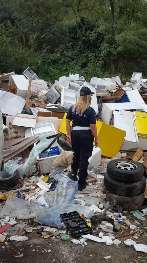 Il blitz contro il traffico illecito di rifiuti nei campi rom 2