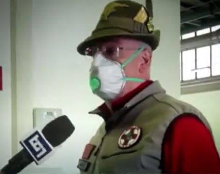 """Bergamo, dimesso l'ultimo paziente: """"Grazie alpini"""""""
