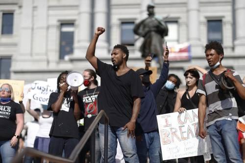 Se il no al razzismo cancella la storia