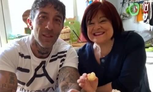 """Simone Coccia lascia i social e preoccupa i fan: """"Devo vincere una dura battaglia"""" -"""