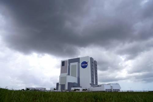 SpaceX, la storia è scritta: lanciata la navicella Crew Dragon 2