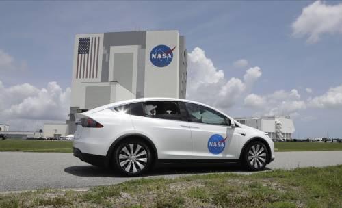 SpaceX, la storia è scritta: lanciata la navicella Crew Dragon 6