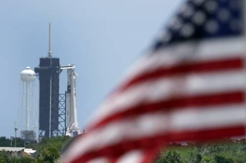 SpaceX, la storia è scritta: lanciata la navicella Crew Dragon