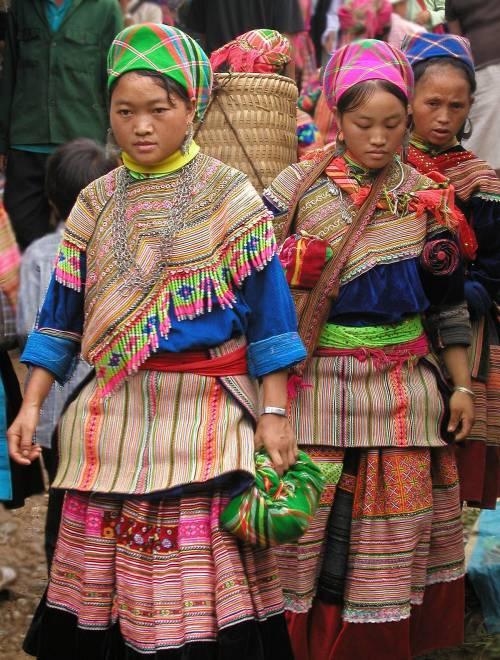 Hmong, il popolo di esuli fuggiti dall'Indocina rossa - ilGiornale.it