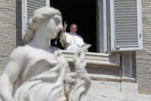 Papa Francesco nuovamente sul balcone di Piazza San Pietro