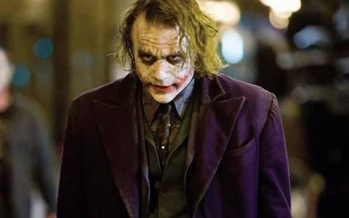"""Il Cavaliere Oscuro, il film che ha """"ucciso"""" Heath Ledger"""