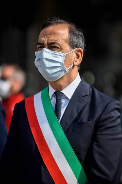 """Il sindaco Sala turista a Firenze, incontro con Nardella: """"Risorgeremo insieme"""""""