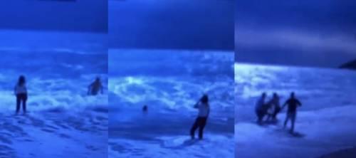 Paura per Vittorio Sgarbi che rischia di annegare in Albania. La figlia riesce a salvarlo