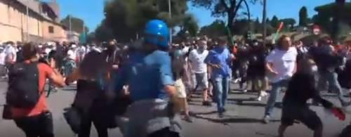 Roma, manifestazione degli ultrà: scontri al Circo Massimo