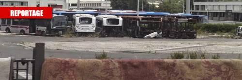 """Il deposito Atac ostaggio dei rom: """"Prima o poi ci scappa il morto..."""""""