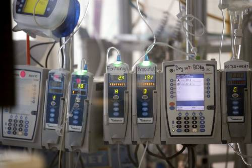 Respiratori in un reparto di terapia intensiva