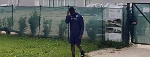 Balotelli si presenta all'allenamento: il Brescia non lo fa entrare