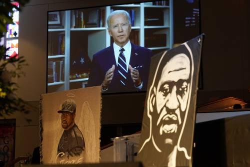"""Floyd, Biden ora va all'attacco: """"È l'ora della giustizia razziale"""""""