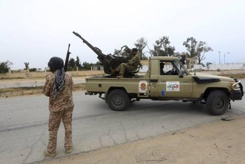 Libia, incursione dei miliziani: ora è a rischio il gas per l'Italia