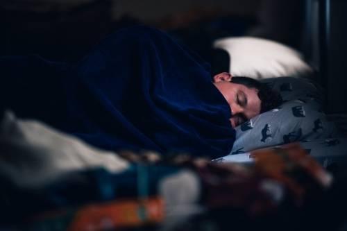 """""""Paralizzati nel sonno"""": ecco come e quando accade"""