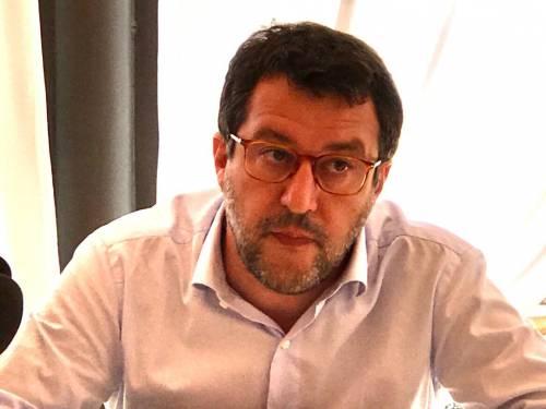 """Minacce choc contro Salvini: """"Mettiamolo a testa in giù"""""""