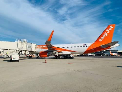 T1 di Malpensa, via ai decolli: alle 7 partito il volo easyJet da Milano per Lamezia Terme