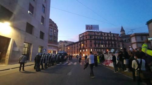 Arrestati tre attivisti, manifestano i centri sociali 4