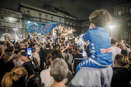 I festeggiamenti a Napoli per la Coppa Italia 6