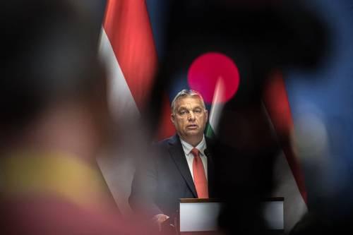 """Giudici contro Orban: legge anti Soros """"non conforme al diritto Ue"""""""