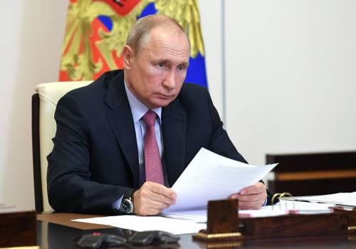 """Putin annuncia il vaccino: """"Già testato su mia figlia"""""""