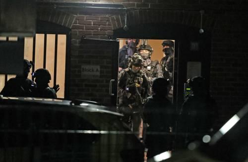 Sangue sul corteo antirazzista: tre persone uccise