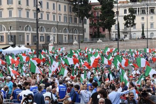 Manifestazione del centrodestra contro Conte 6
