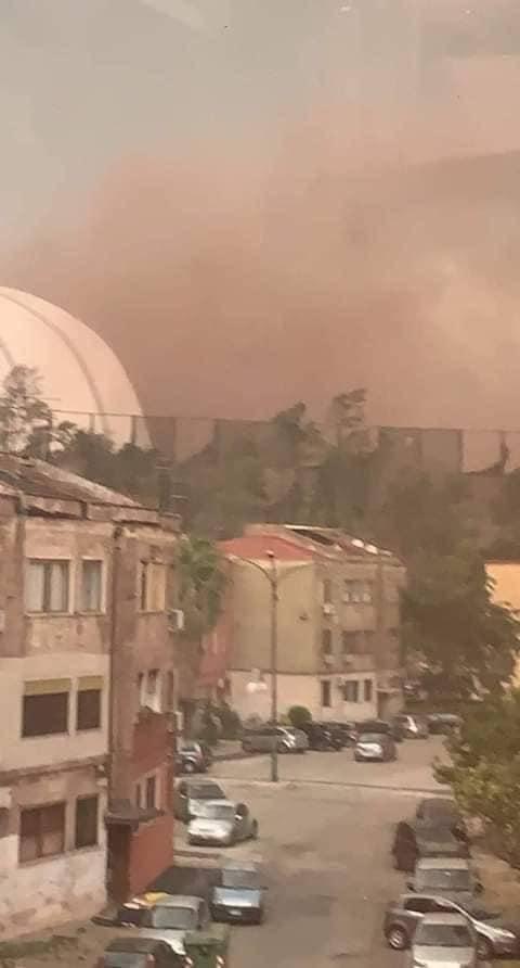 Un tornado alza le polveri minerali: l'ex Ilva spaventa Taranto