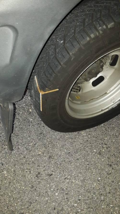 Attentato dei No Tav: chiodi in autostrada per bloccare la p
