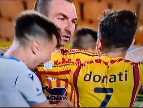 La Lazio adesso perde la testa: volano pure i morsi in campo