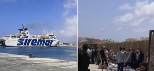 """Le navi dei turisti come """"taxi"""" per trasportare gli immigrati"""