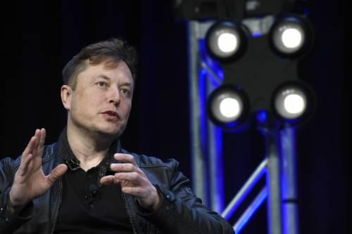 Tesla punta 1,5 miliardi. E fa il pieno di Bitcoin